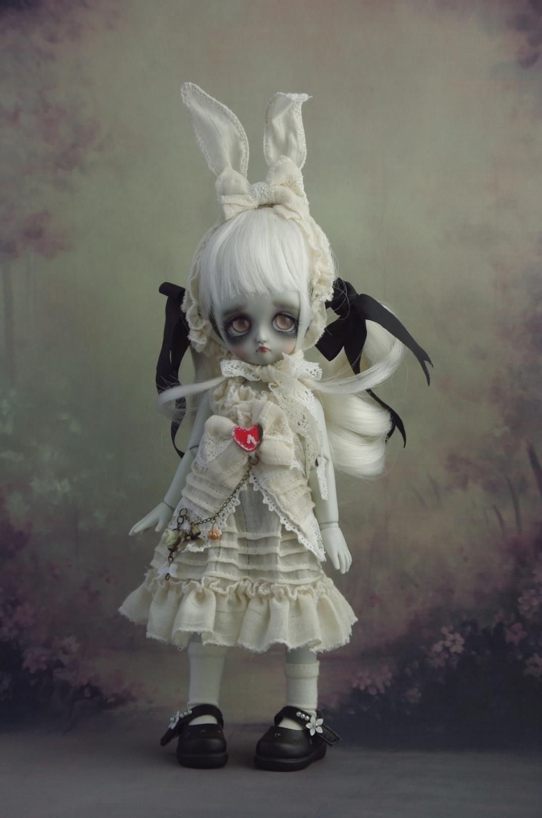 whiterabbit 1